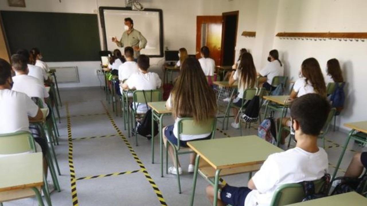 Colegio San Mateo Apóstol de Grupo Inspired censura temas LGBT+ de educación en Bogotá LGBT+