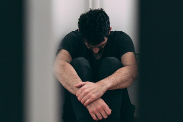Violación, abuso sexual y hostigamiento hacia hombres